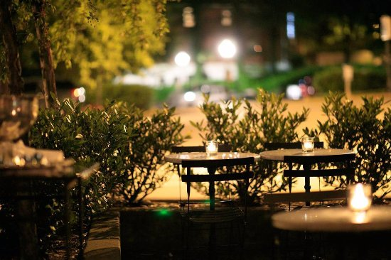 Clayton, MO: Bar Les Freres