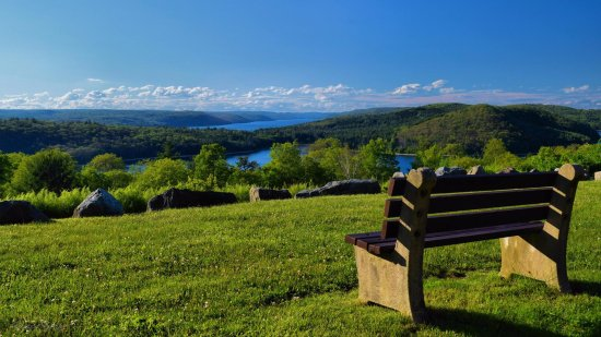 Massachusetts: Enfield Overlook