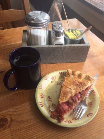 Nordegg, Канада: Strawberry rhubarb delight