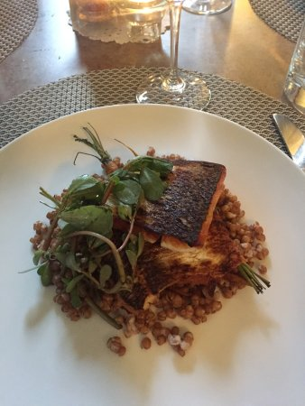 Washington Island, Ουισκόνσιν: Pan seared whitefish with wheat berries and purslane! Fantastic!!!