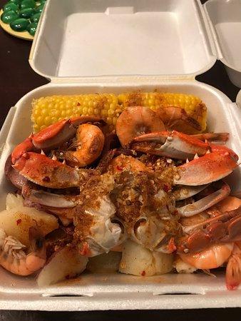 Southside seafood savannah restaurant reviews phone for Fish market savannah ga