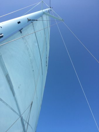 Hamilton, Bermuda: The sail