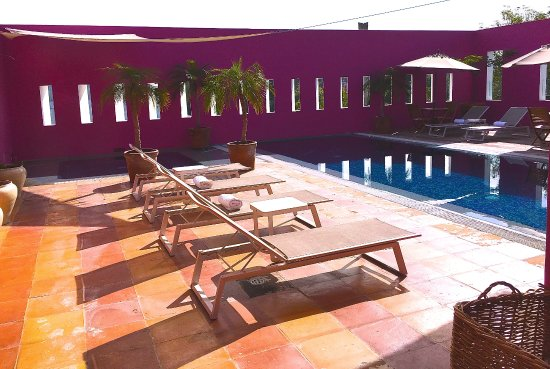 Casareyna Hotel: The pool and the jacuzzi : a place to relax