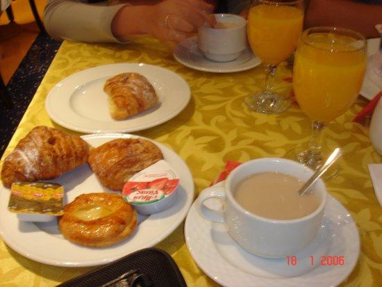 Oum Palace Hotel Photo