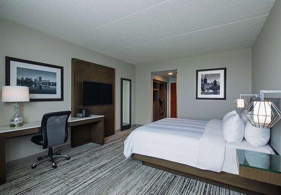 Windsor, CT: King Guest Room