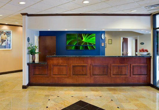East Point, GA: Front Desk