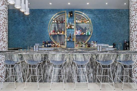 Opus Hotel: OPUS bar