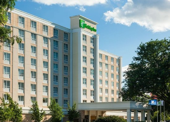 East Hartford, CT : Walking Distance to Downtown, Free Parking