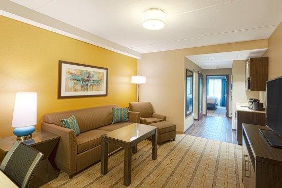 เชนันโดอาห์, เท็กซัส: King suite living area