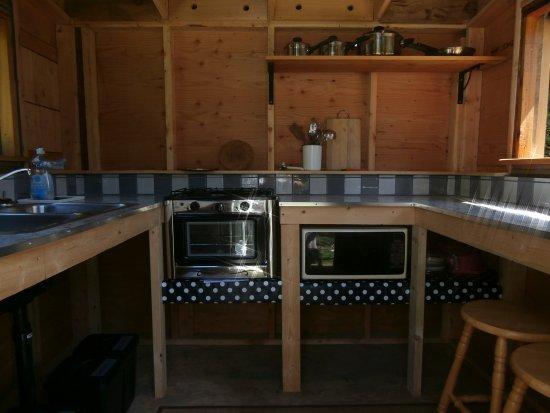 Denman Island, Canada: Kitchen