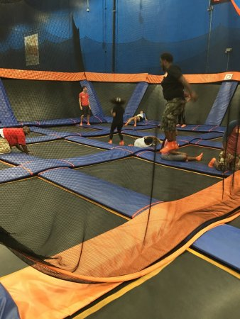 Sky Zone Indoor Trampoline Park : My Family had a blast.