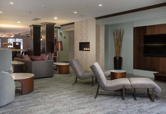 West Des Moines, IA: Lobby - Seating Area