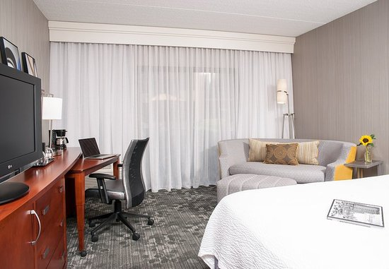 Glenview, Ιλινόις: King Guest Room