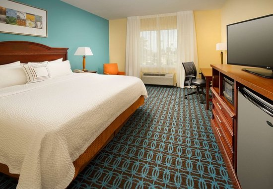 Marshall, TX: King Guest Room
