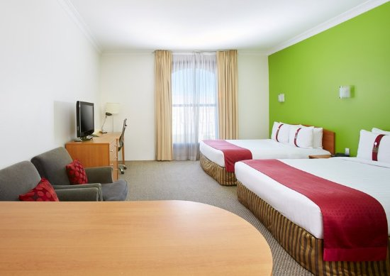 Holiday Inn Darling Harbour: Family Room with 2 Queen Beds