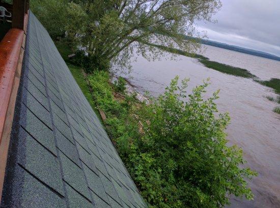 Ashland, WI: Water's edge.