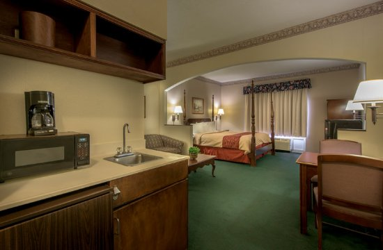 Albany, GA: King Suite