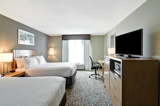 Oshawa, Canadá: Two Queen Bed Guestroom