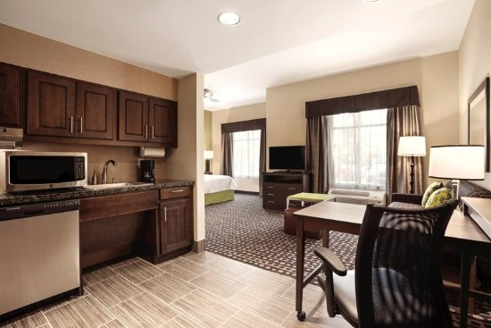 Ankeny, IA: Accessible Guest Room