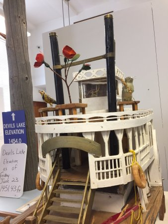 Devils Lake, ND: Model of the local Ferry