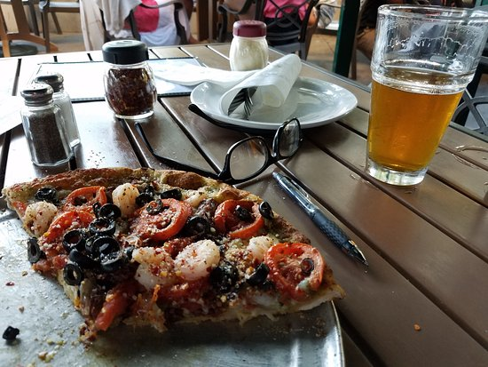 Bazbeaux Pizza (Carmel): Firenze pizza and a pint