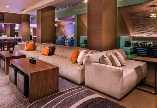 Melville, Nowy Jork: Greatroom Lounge - Seating Area