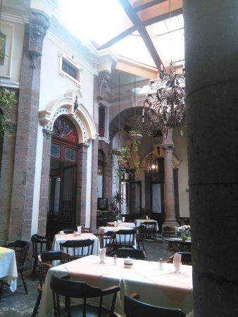 La Rinconada: area principal de restaurante
