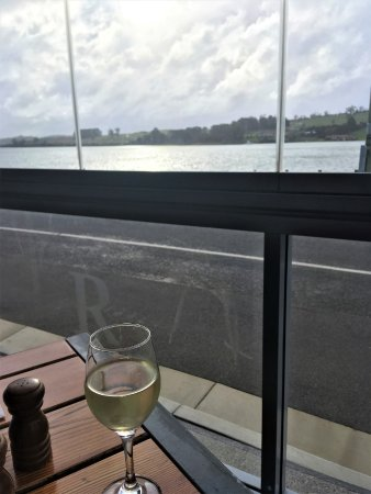 Rosevears, Αυστραλία: A great view to have with your wine