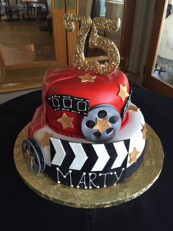 Enjoyable Special 75Th Birthday Cake Representing The Movie Industry Funny Birthday Cards Online Bapapcheapnameinfo