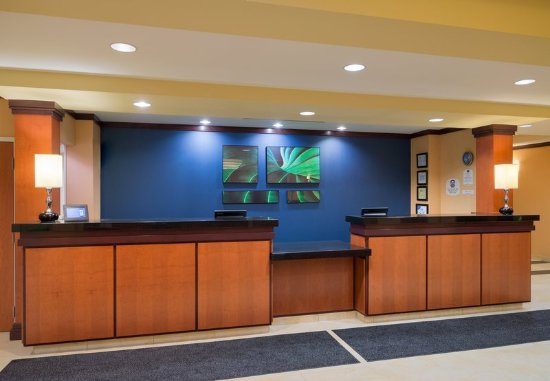 Huntingdon, PA: Front Desk