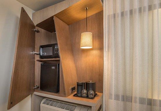 Rome, GA: Hospitality Cabinet