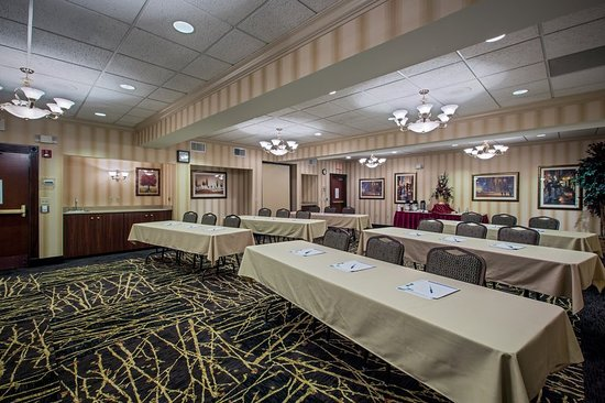 Warren, OH: Our Meeting Room is ideal for your business needs