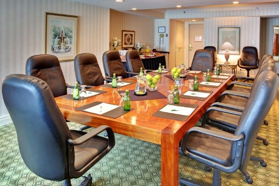 Oakville, Canadá: Executive Suite 217, Perfect Choice for Small Business Meetings