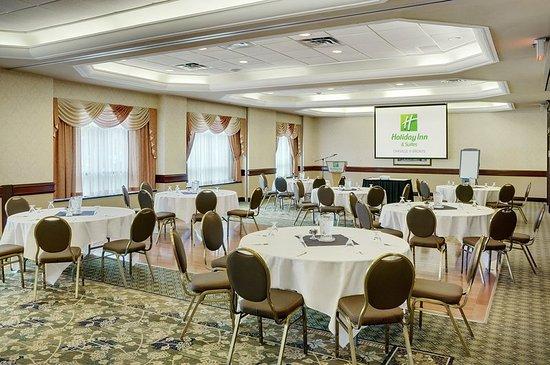 Oakville, Canadá: Halton Ballroom 1700 Sq. Ft. with Natural Light on the Main Level