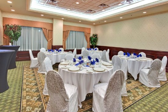 Oakville, كندا: The Bronte Room, Main Level, Perfect for Small Gatherings