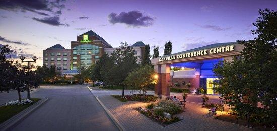 Oakville, كندا: Exceptional Full Service Hotel in Vibrant Oakville