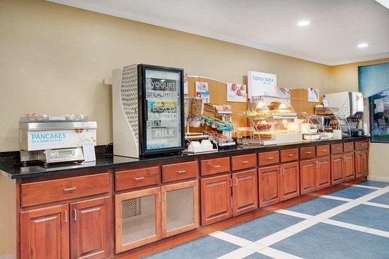 Pocomoke City, MD: Breakfast Bar
