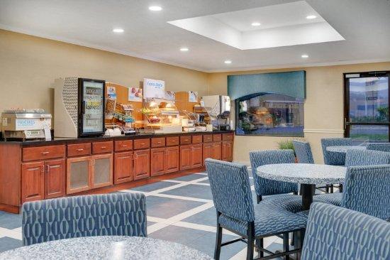 Pocomoke City, MD: Breakfast Area