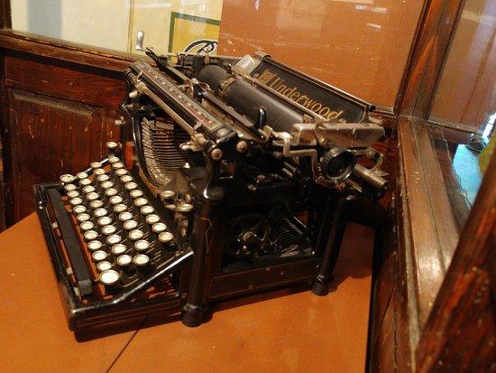 Burnaby, Canada: An old Underwood typwriter!