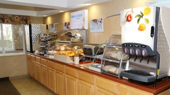Warrenton, MO: Breakfast Bar