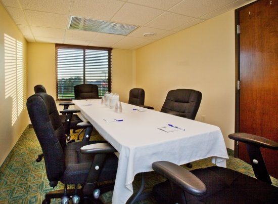 วอเตอร์ลู, ไอโอวา: Holiday Inn Express Waterloo offers 800 sq ft of meeting space.