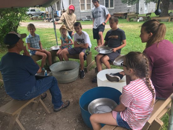 Hill City, SD: Panning for gold