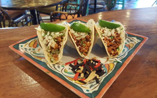 Leduc, Canadá: ¡Tacos de chorizo! House-made chorizo with all the traditional toppings.