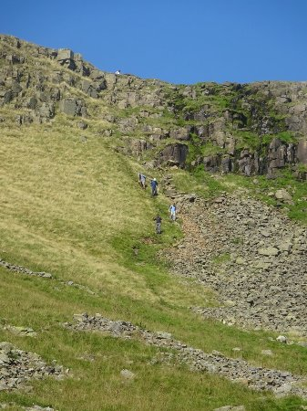 Cumbria, UK: Steep initial climb down
