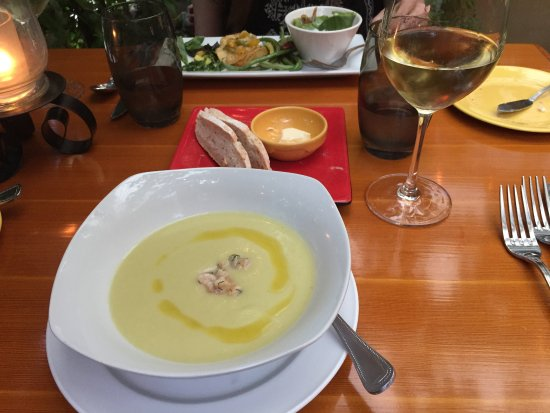 Cafe Brio : Soup and salad starters