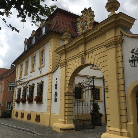 Romantik Hotel Zehntkeller: View of the Hotel