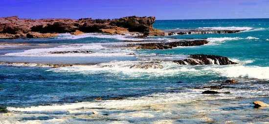 Beachport, Australia: View from the Bowman Scenic Drive which follows the spectacular rugged cost of the Southern Ocea
