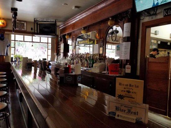 West Seneca, État de New York : Great old bar area and atmosphere