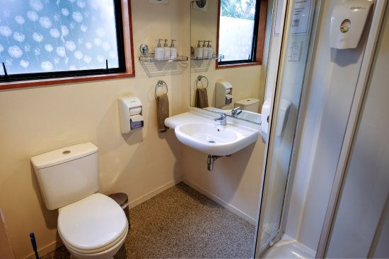 Haka Lodge Christchurch: Brand new bathrooms