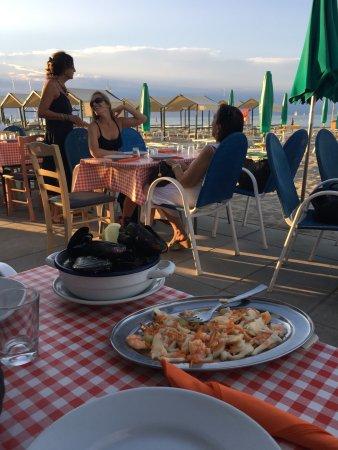 Bar allotria da tonino riccione ristorante recensioni numero di telefono foto tripadvisor - Bagno 100 riccione ...